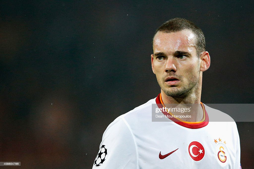<a gi-track='captionPersonalityLinkClicked' href=/galleries/search?phrase=Wesley+Sneijder&family=editorial&specificpeople=538145 ng-click='$event.stopPropagation()'>Wesley Sneijder</a> of Galatasaray looks on during the UEFA Champions League Group D match between Borussia Dortmund and Galatasaray AS at Signal Iduna Park on November 4, 2014 in Dortmund, Germany.