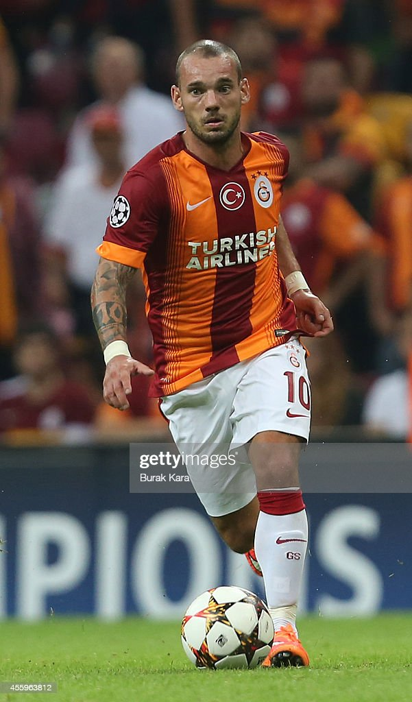 <a gi-track='captionPersonalityLinkClicked' href=/galleries/search?phrase=Wesley+Sneijder&family=editorial&specificpeople=538145 ng-click='$event.stopPropagation()'>Wesley Sneijder</a> of Galatasaray runs with the ball during the UEFA Champions League group D match between Galatasaray AS and RSC Anderlecht against Anderlecht on September 16, 2014, at TT Arena Stadium in Istanbul, Turkey.