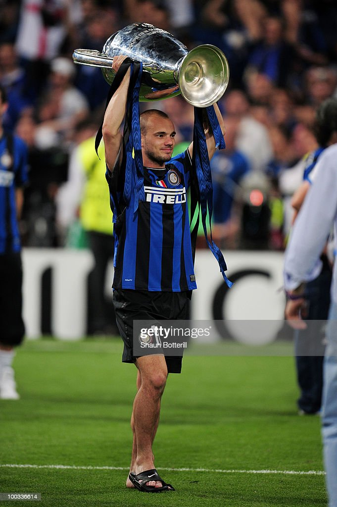 Wesley Sneijder of Inter Milan celebrates victory after the UEFA Champions League Final match between FC Bayern Muenchen and Inter Milan at the Estadio Santiago Bernabeu on May 22, 2010 in Madrid, Spain.