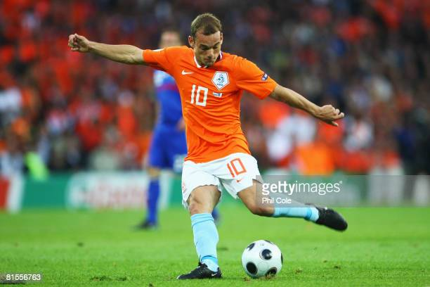 Wesley Sneijder of Netherlands in action during the UEFA EURO 2008 Group C match between Netherlands and France at Stade de Suisse Wankdorf on June...