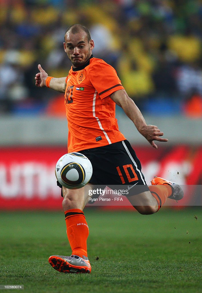 <a gi-track='captionPersonalityLinkClicked' href=/galleries/search?phrase=Wesley+Sneijder&family=editorial&specificpeople=538145 ng-click='$event.stopPropagation()'>Wesley Sneijder</a> of the Netherlands in action during the 2010 FIFA World Cup South Africa Quarter Final match between Netherlands and Brazil at Nelson Mandela Bay Stadium on July 2, 2010 in Nelson Mandela Bay/Port Elizabeth, South Africa.
