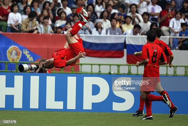 Image result for wesley sonck goal vs russia