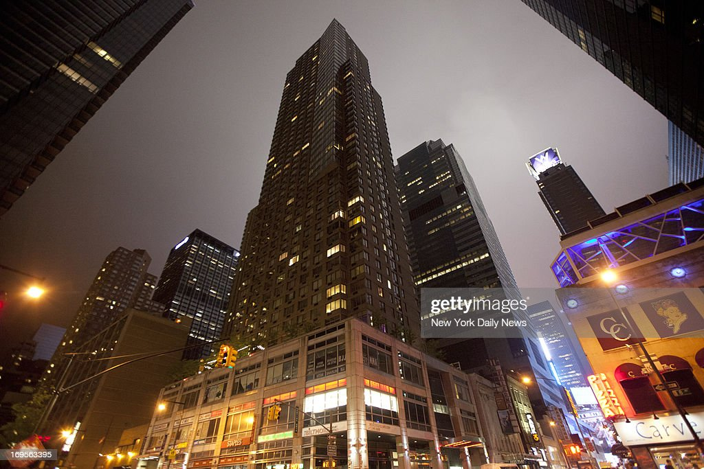 271 West 47th Street in Manhattan, where Amanda Bynes was allegedly arrested on May 23, 2013. (Photo By: Pearl Gabel/NY Daily News via Getty Images)(
