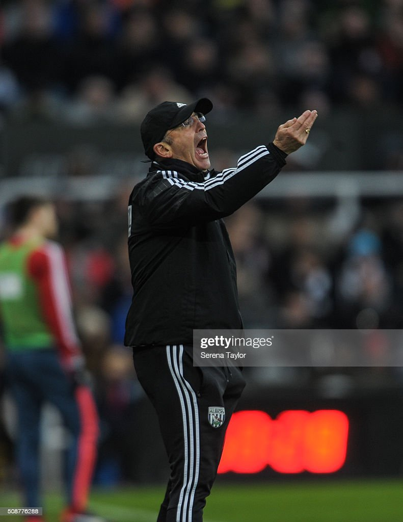 West Bromwich Albion Head Coach <a gi-track='captionPersonalityLinkClicked' href=/galleries/search?phrase=Tony+Pulis&family=editorial&specificpeople=2225291 ng-click='$event.stopPropagation()'>Tony Pulis</a> shouts from the sidelines during the Barclays Premier League match between Newcastle United and West Bromwich Albion at St.James' Park on February 6, 2016, in Newcastle upon Tyne, England.