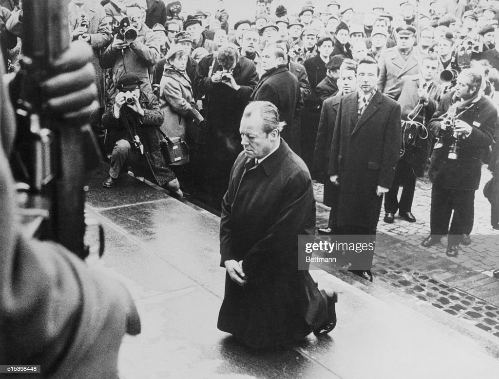West German Chancellor Willy Brandt paying tribute to the Jewish insurgents killed by the Nazis during uprising in the Jewish ghetto in Warsaw in 1943 - seen in front of the Jewish Heroes monument.