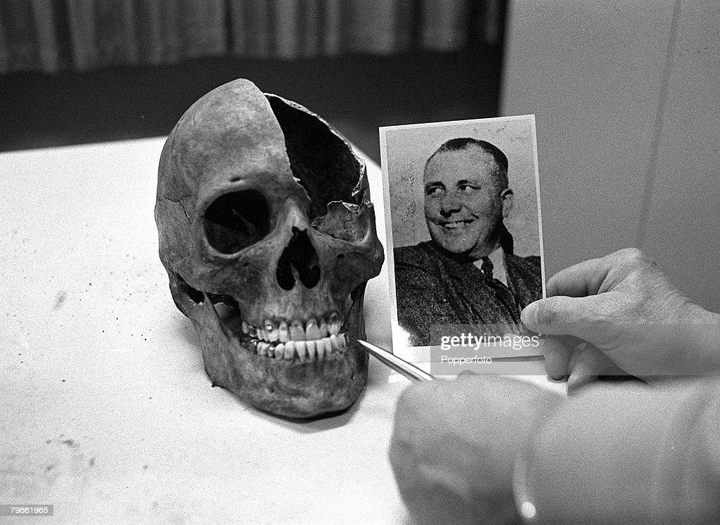 a biography of martin bormann a hitlers secretary Albert bormann (2 september 1902 – 8 april 1989) was a german national socialist motor corps (nskk) officer, who rose to the rank of gruppenführer (generalleutnant) during world war ii bormann served as an adjutant to adolf hitler , and was the younger brother of martin bormann .