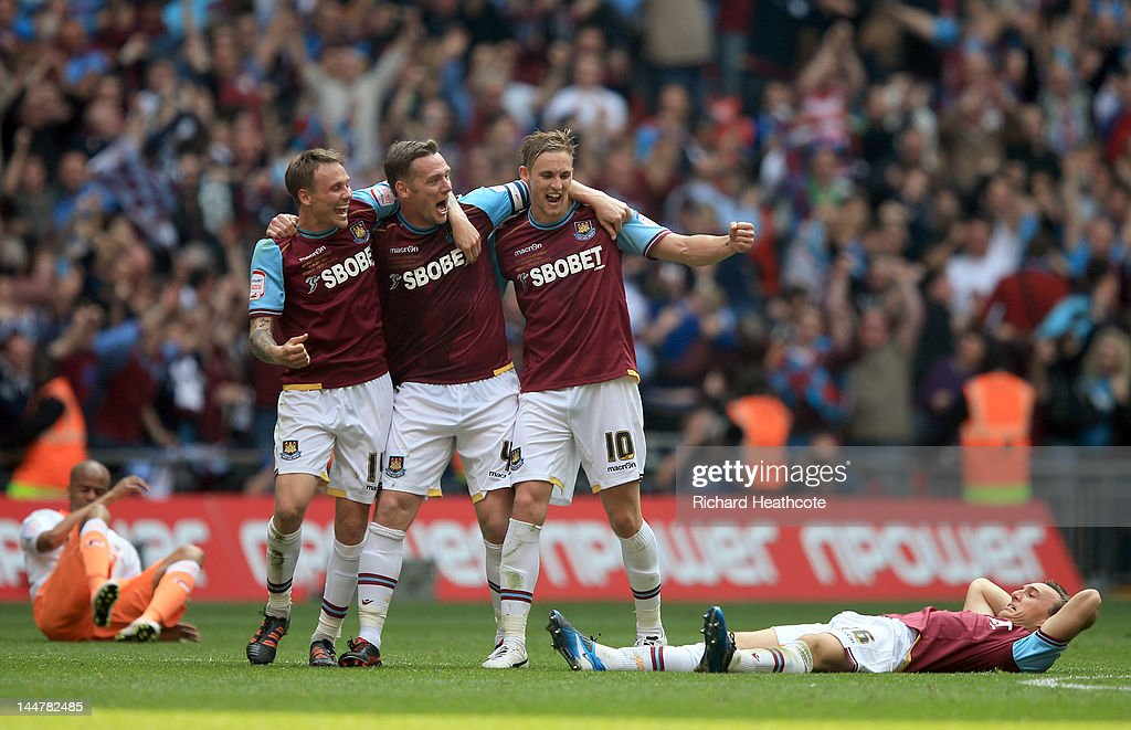 West Ham celebrate victory at the final whistle during the npower Championship Playoff Final between West Ham United and Blackpool at Wembley Stadium on May 19, 2012 in London, England.