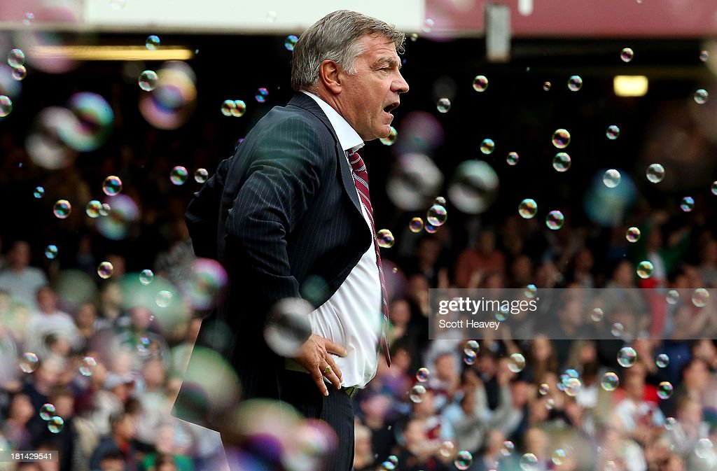 West Ham manager <a gi-track='captionPersonalityLinkClicked' href=/galleries/search?phrase=Sam+Allardyce&family=editorial&specificpeople=214691 ng-click='$event.stopPropagation()'>Sam Allardyce</a>during the Barclays Premier League match between West Ham United and Everton at the Boleyn Ground on September 21, 2013 in London, England.