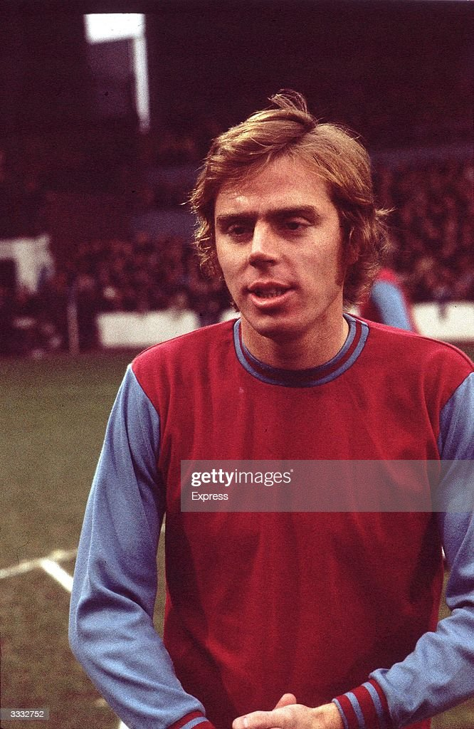 West Ham United FC player <a gi-track='captionPersonalityLinkClicked' href=/galleries/search?phrase=Harry+Redknapp&family=editorial&specificpeople=204768 ng-click='$event.stopPropagation()'>Harry Redknapp</a> before the kick off against Manchester City FC.