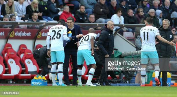 West Ham United manager Slaven Bilic gives instructions to West Ham United's Arthur Masuaku during the Premier League match between Sunderland and...