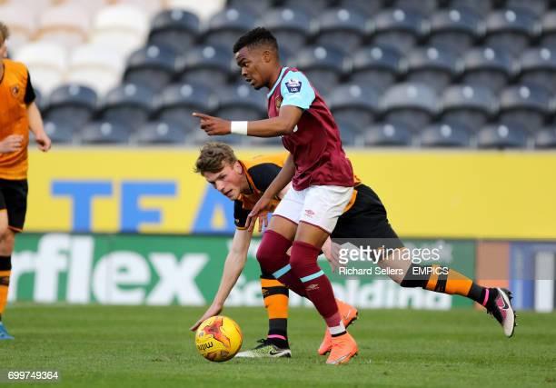 West Ham United U21 Grady Diangana and Hull City U21 Josh Tymon in action