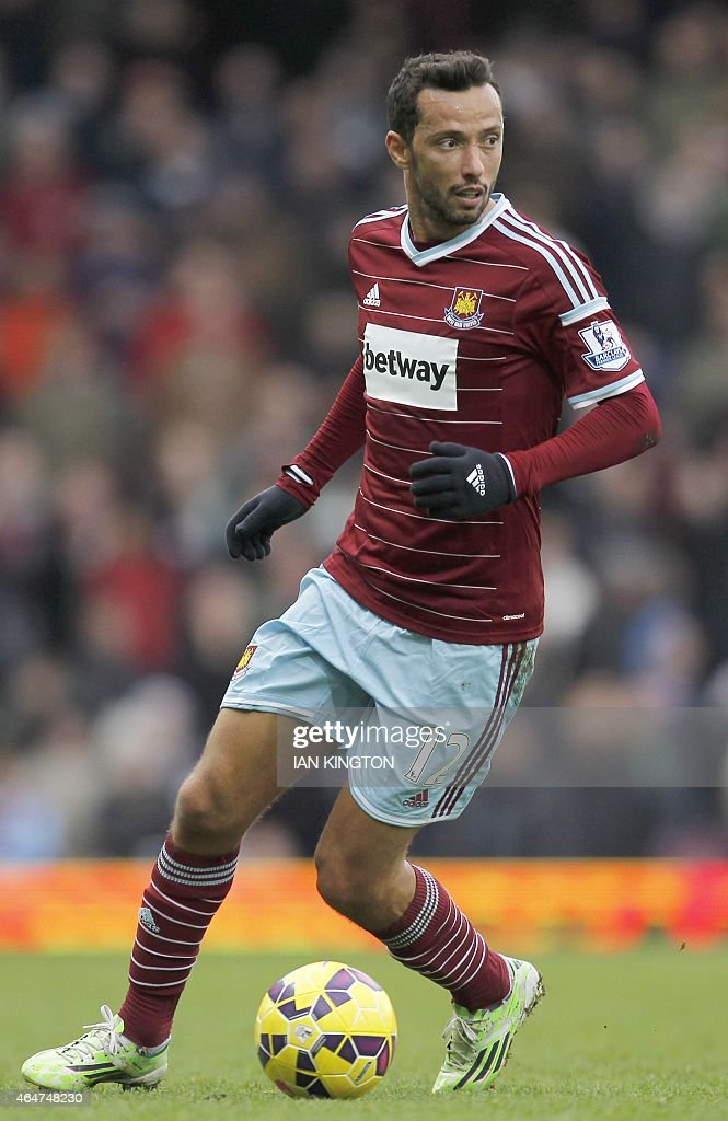 West Ham United's Brazilian striker Nene runs with the ball during the English Premier League football match between West Ham United and Crystal Palace at Boleyn Ground in Upton Park, East London on February 28, 2015. Crystal Palace won the match 1-3. AFP PHOTO / IAN KINGTON OR 'LIVE' SERVICES. ONLINE