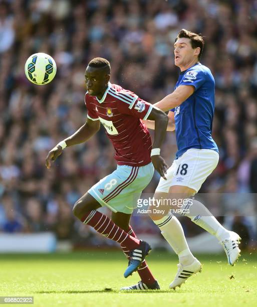 West Ham United's Cheikhou Kouyate and Everton's Gareth Barry in action