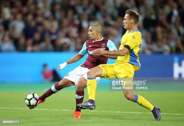 West Ham United's Sofiane Feghouli scores his side's third goal