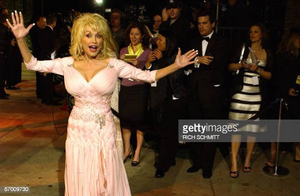 Dolly Parton arrives at the Vanity Fair Dinner And After Party at Mortons celebrating the 78th Academy Awards 05 March 2006 in West Hollywood...