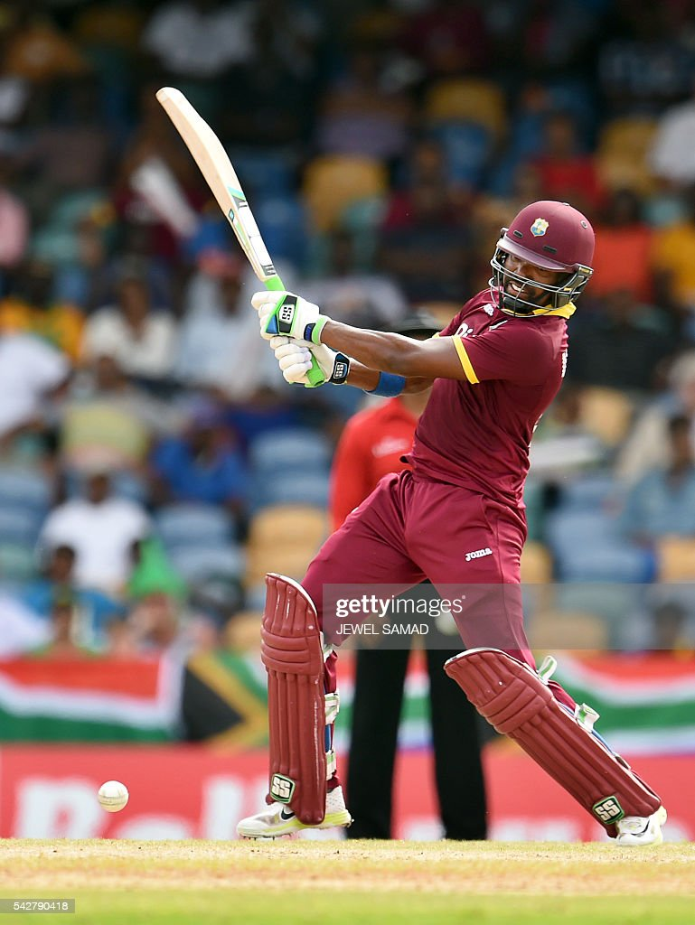 West Indies cricketer Darren Bravo plays a shot during the 9th One Day International match of the Tri-nation Series between South Africa and West Indies at the Kensington Oval stadium in Bridgetown on June 24, 2016. / AFP / JEWEL