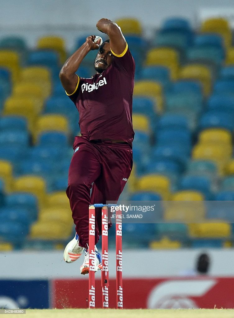 West Indies cricketer Shannon Gabriel delivers a ball during the 9th One Day International match of the Tri-nation Series between South Africa and West Indies at the Kensington Oval stadium in Bridgetown on June 24, 2016. / AFP / Jewel SAMAD