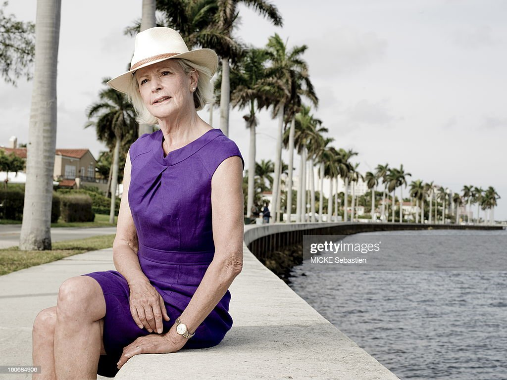 West Palm Beach (Florida), Sunday, February 5, 2012: meeting with Mimi ALFORD, 69, student of the JFK on this walk on the beach, Mimi has a knack for real ladies. Now retired, she and her husband rented a house there during the winter. 19 years young intern arrived in 1962 the press office of the presidency has the White House, Mimi has lived several months romance with President John F. Kennedy, then 45 years of age. Fifty years later, she tells her story in the book 'A singular love story', by Oh! Editions.
