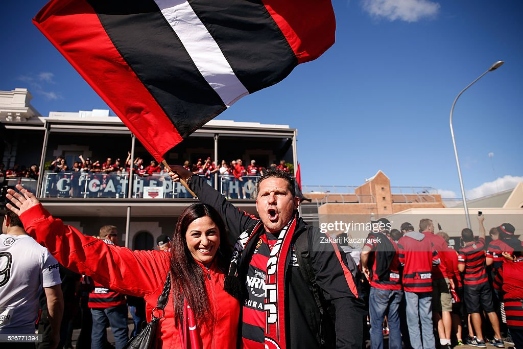 Western Sydney fans march together before the 2015/16 A-League Grand Final match between Adelaide United and the Western Sydney Wanderers at Adelaide Oval on May 1, 2016 in Adelaide, Australia.