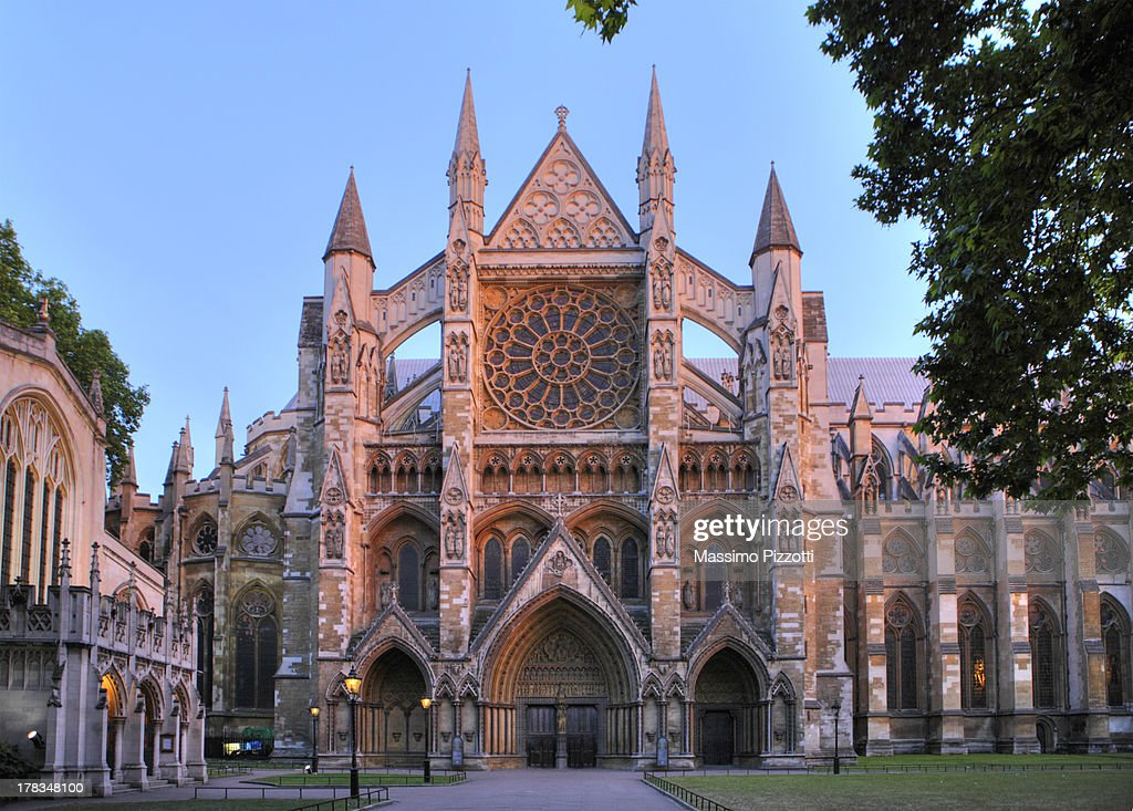 Westminster abbey at dusk