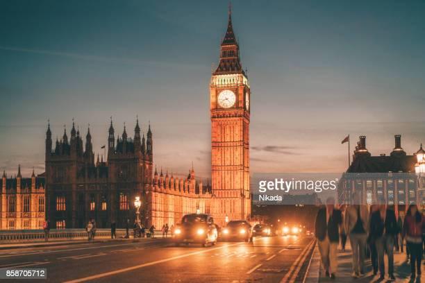 Westminster Bridge mit Big Ben in London, Großbritannien