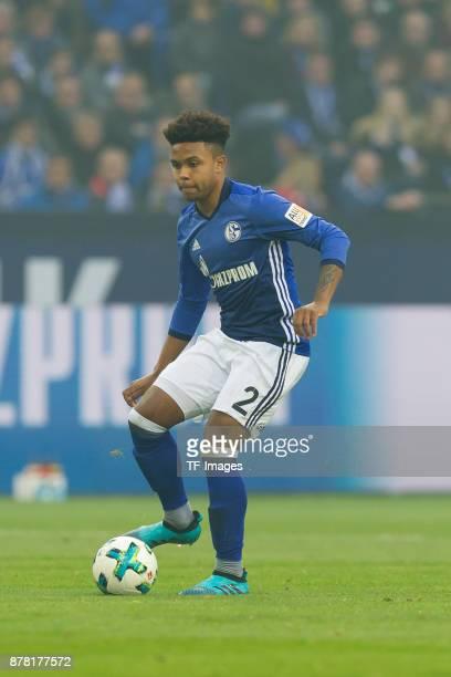 Weston McKennie of Schalke controls the ball during the Bundesliga match between FC Schalke 04 and Hamburger SV at VeltinsArena on November 19 2017...