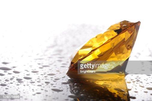 Wet amber diamond