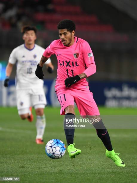 Weverson Leandro Moura of Kashima Antlers in action during the AFC Champions League Group E match between Kashima Antlers and Ulsan Hyndai at Kashima...