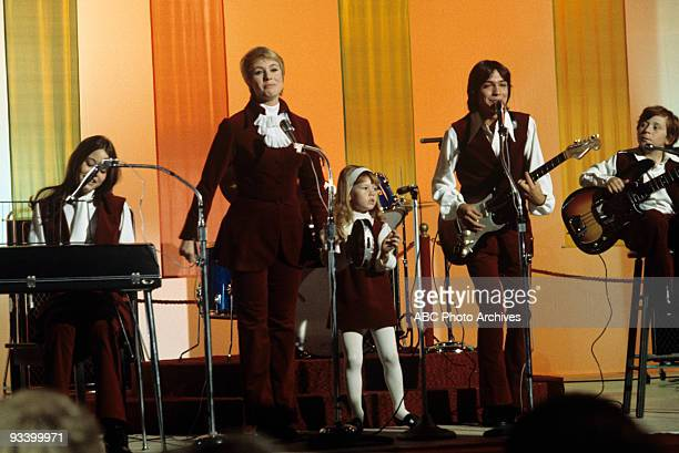 FAMILY 'What And Get Out of Show Business' 9/25/70 Susan Dey Shirley Jones Suzanne Crough David Cassidy Danny Bonaduce