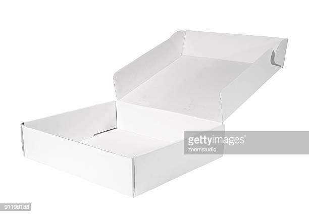 La caja de cartón blanco