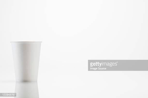 ホワイトディスポーザブルカップ