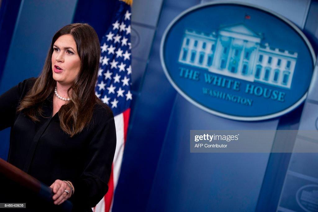 White House Press Secretary Sarah H. Sanders gives a briefing at the White House on September 13, 2017 in Washington, DC. / AFP PHOTO / Brendan Smialowski