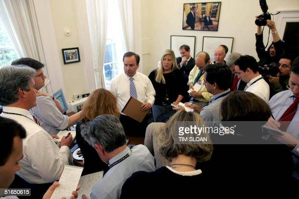 White House Press Secretary Scott McClellan briefs reporters in his West Wing office 03 November 2004 on the concession phone call made to US...