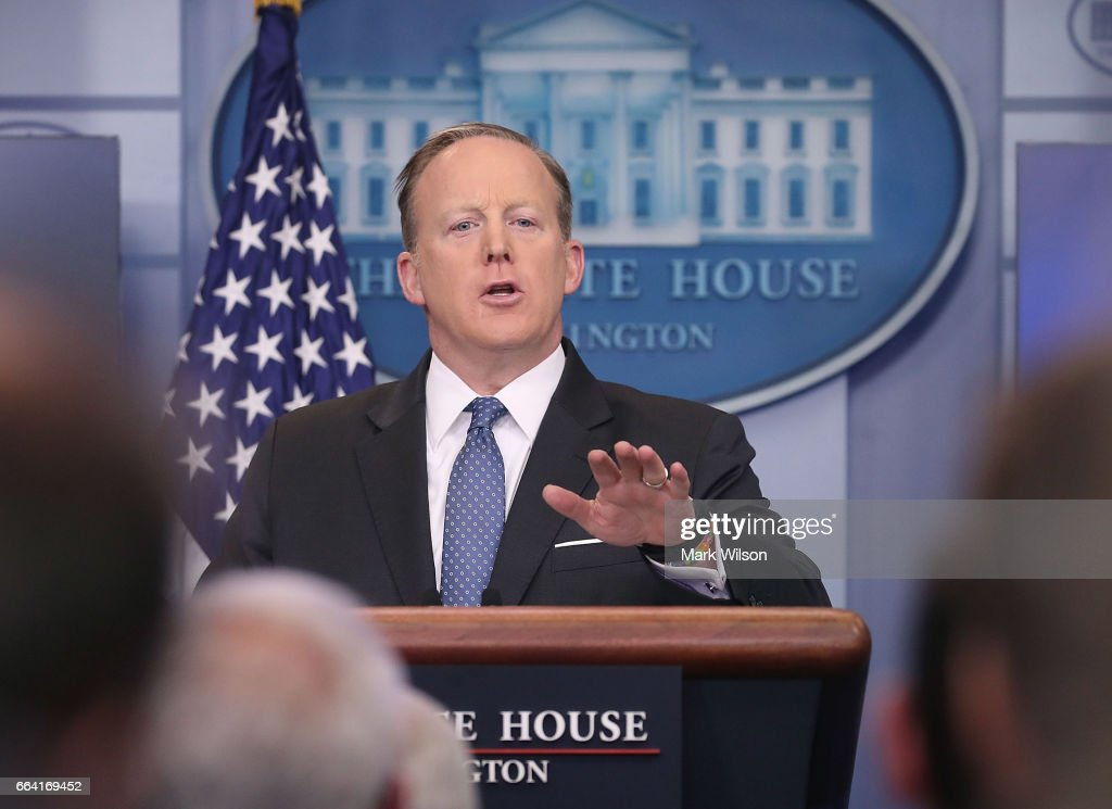 Sean Spicer Holds Daily Press Briefing At The White House : News Photo