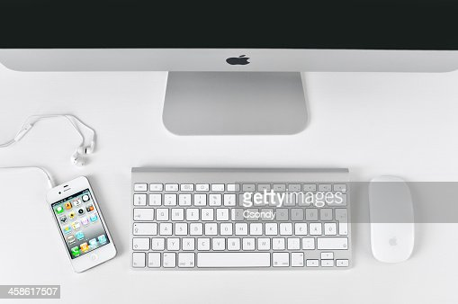 White iPhone 4 with iMac