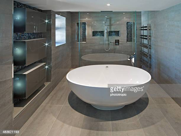white oval bath