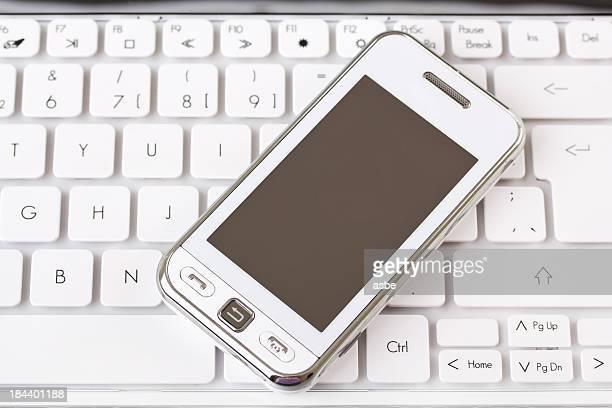 ホワイトの電話でキーボード