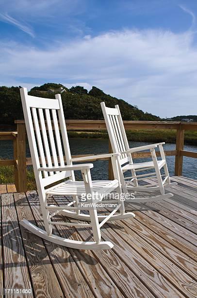 Cadeiras de balanço de branco