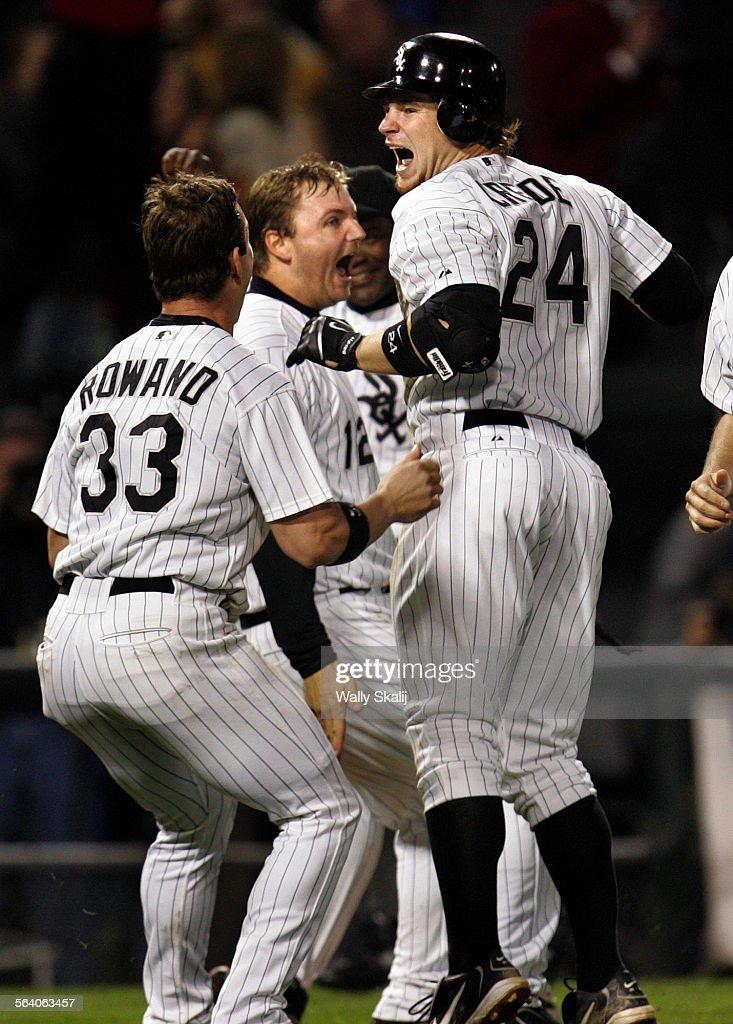 white-sox-hitter-joe-crede-celebrates-hi
