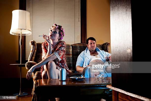 Blanc série :  ordures Couple assis sur leur lit