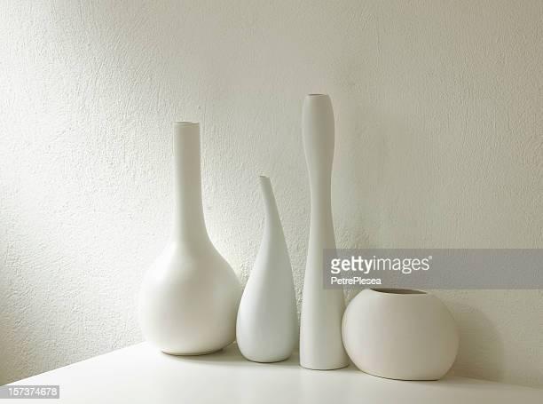 vases blancs composition