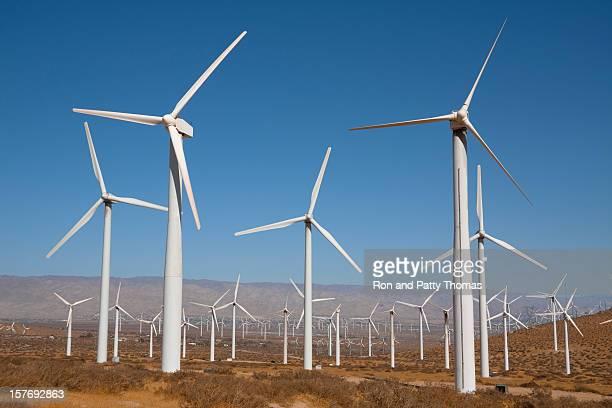 風力タービン近くにパームスプリングス(カリフォルニア州)