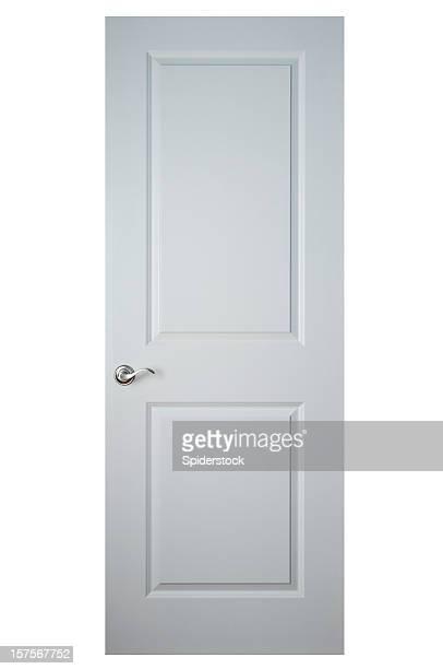 Porte en bois blanc avec un Tracé de détourage