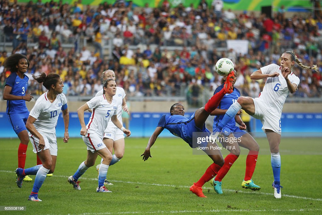 Whitney Engen (R) of USA and Kadidiatou Diani of France compete for the ball during the Women's Group G match between USA and France on Day 1 of the Rio2016 Olympic Games at Mineirao Stadium on August 6, 2016 in Belo Horizonte, Brazil.