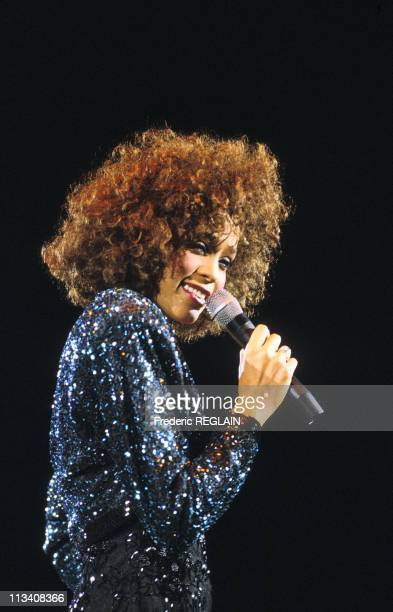 Whitney Houston Performs In Paris Bercy On May 18th 1988 In ParisFrance