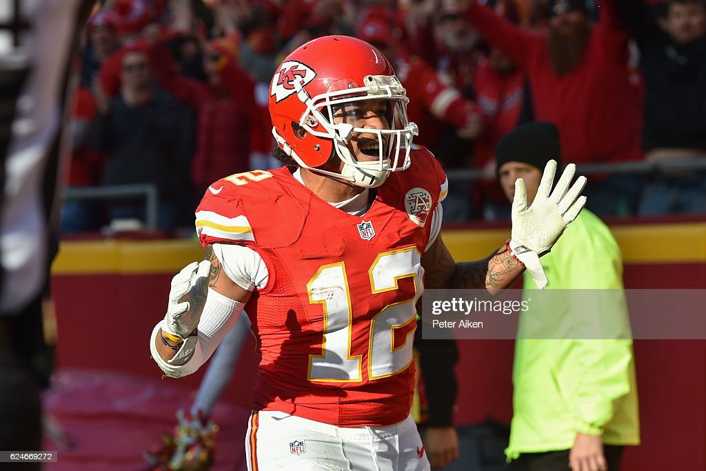 Wide receiver Albert Wilson #12 of the Kansas City Chiefs celebrates after catching a touchdown pass against the Tampa Bay Buccaneers at Arrowhead Stadium during the fourth quarter of the game on November 20, 2016 in Kansas City, Missouri.