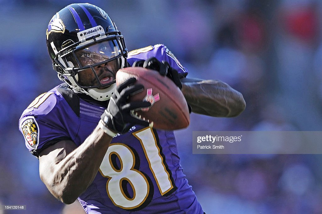 Wide receiver <a gi-track='captionPersonalityLinkClicked' href=/galleries/search?phrase=Anquan+Boldin&family=editorial&specificpeople=182484 ng-click='$event.stopPropagation()'>Anquan Boldin</a> #81 of the Baltimore Ravens pulls in a catch in the third quarter against the Dallas Cowboys at M&T Bank Stadium on October 14, 2012 in Baltimore, Maryland. The Baltimore Ravens won, 31-29.