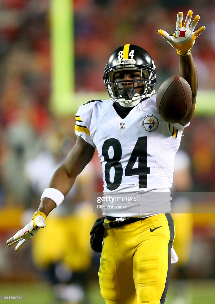 Wide receiver Antonio Brown #84 of the Pittsburgh Steelers reacts against the Kansas City Chiefs during the first half in the AFC Divisional Playoff game at Arrowhead Stadium on January 15, 2017 in Kansas City, Missouri.