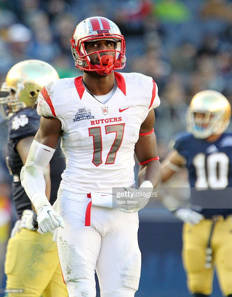 Wide Receiver Brandon Coleman #17 of the Rutgers Scarlet Knights looks on as he runs on the field during the game against the Notre Dame Fighting Irish at the New Era Pinstripe Bowl at Yankee Stadium on December 28, 2013 in the Bronx Borough of New York City.
