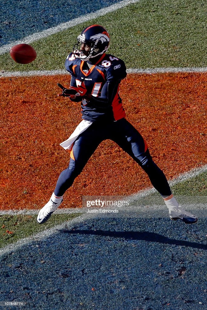 Wide receiver <a gi-track='captionPersonalityLinkClicked' href=/galleries/search?phrase=Brandon+Lloyd&family=editorial&specificpeople=206502 ng-click='$event.stopPropagation()'>Brandon Lloyd</a> #84 of the Denver Broncos makes a touchdown reception against the San Diego Chargers during the first quarter at INVESCO Field at Mile High on January 2, 2011 in Denver, Colorado.